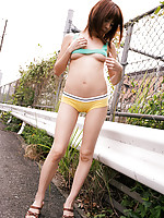 Mai Hagiwara Asian shows firm behind in yellow panty outdoor